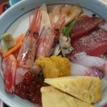海鮮、定食、天ぷらと酒 舟源 - 彩りが良いです