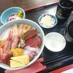海鮮、定食、天ぷらと酒 舟源 - 海鮮丼(¥1.400)