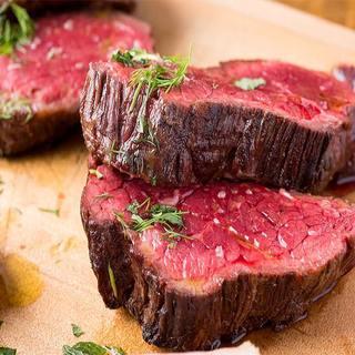現地で直接買い付け!幻の国産和牛や1000時間寝かせた熟成肉