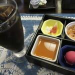 西洋料理箱 魯風人 - 食後のサービス・・・嬉しいね!