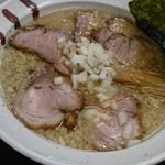 らぁ麺ほっしん - 料理写真:背脂醤油 チャーシューめん