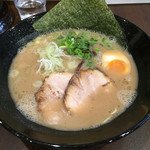 博多ラーメン まるかく - 料理写真: