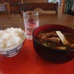 食堂 満八 - 味噌汁680円