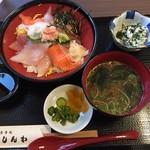 59121258 - 海鮮丼 ¥1000