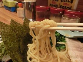 横浜家系ラーメン 町田商店 渋谷店 - 麺リフト(^^)