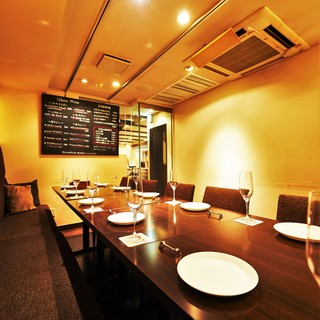 完全個室や区切られた空間が人気のソファ席、様々なお席をご用意