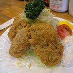 グルメハウス薔薇亭 - 大きなカキフライ 牡蠣1コでフライ1コです