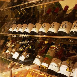 お料理と合わせた世界の厳選ワインをどうぞ