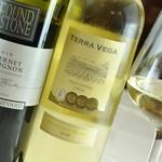 箱根唐揚げKARATTO - karatto唐揚げに良く合う白ワイン