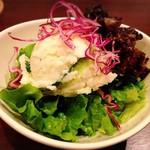 麻布肉バル CICCIO - 牛スジポテトサラダ 580円