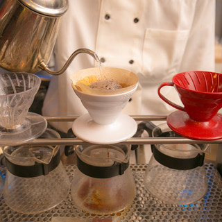 タブレットで読書をしながら、片手に美味しいコーヒーを・・・