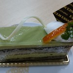 エーデルワイス沖縄 - 抹茶とオレンジのオペラ(400円)。