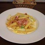 ヴィア トスカネッラ - リガトーニ ベーコンと白菜のクリームソース(2016.10)