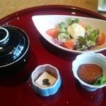 寿司ダイニング SUZAKI - スモークサーモンポテトサラダ  ふろ吹き大根  蟹餡掛け