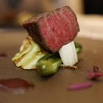59160615 - 広島神石牛うちももの直火焼き ブリッコマンゾーニの赤ワインのサルサ