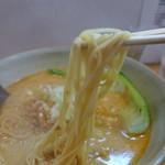 担担 - ブリブリの麺。