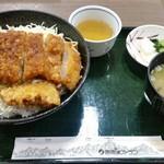駒ヶ岳サービスエリア(下り線)スナックコーナー - プレミアムメニュー ソースかつ丼  2300円
