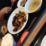 重慶厨房 CIAL桜木町店 - 週替りランチ定食、鶏肉の唐辛子炒め(^∇^)