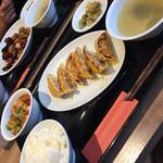 重慶厨房 CIAL桜木町店 - 餃子定食(^∇^)