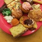 デザート王国 - シュークリーム、フレンチトースト、杏仁豆腐、パンプディング等