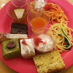 デザート王国 - 紅茶のパウンドケーキ、プリン、ガトーショコラ、ショートケーキ、アップルティージュレ等
