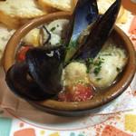 ラ・テッパーニャ - 牡蠣のアヒージョ(ムール貝入り)