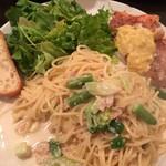 ピッコロティガー - スペシャルランチ 彩り野菜のアンチョビクリームソース カサゴのクリームソース添え