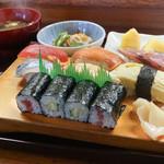 千成鮨 - 料理写真:お昼の寿司定食