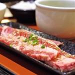 肉御殿 - やわらかカットカルビ定食