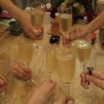 59186289 - シャンパンでかんぱ~い(* ̄0 ̄*)ノ口 (* ̄0 ̄*)ノ口 乾杯!
