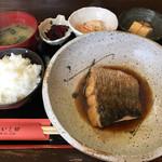 活魚料理 いし田 - 煮魚定食950円(税込)
