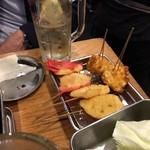 Kushikatsudengana - 串揚げ とうもろこし、紅しょうが、レンコン