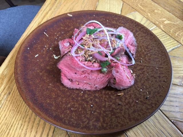 スモーブロー キッチン ナカノシマ - ローストビーフのスモーブロー