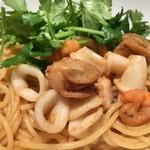 ザ ワールド キッチン&スポーツ - 魚介のトムヤムパスタ