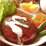 カフェ simme - 大豆ミンチハンバーグ