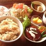 カフェ simme - 大豆ミンチハンバーグのベジ定食