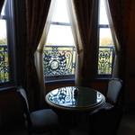 59198480 - 「美術の間」のロココな窓(拡大してみてね)