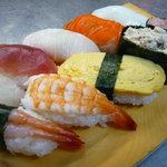 晴れ曇 なごみの家 - おまかせ握り寿司・・・900えん