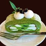 59200922 - 『茶の雫ロール』(378円)!! 抹茶クリーム、生クリーム、抹茶ゼリーを抹茶スポンジで巻いたロールケーキ~♪(^o^)丿