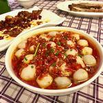 上海滴水洞 茂名南路店 - 一同大絶賛だったのが圧倒的にコレ!                             唐辛子がけ里芋の蒸し物 35元(595円)