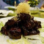 成隆行蟹王府 大宁店 - ワイン入り牛肉の煮込み物 128元(2176円)                             圧倒的なスパイス感。濃厚なビーフシチューに狂ったように黒胡椒を落としてしまった感じ。