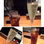 ペコラ - ◆主人は期間限定の「スパークリングワイン(500円:限定価格)を。 私は「コーラ(400円)」を頂きます。