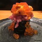 重寿司 - spécialitéの通称『軍艦うとい』(海胆・トロ・いくら)