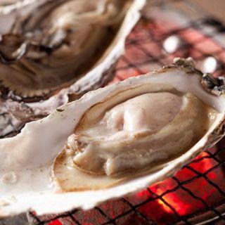 ●炭リッチの牡蠣●系列店の牡蠣小屋より新鮮な牡蠣を直送♪