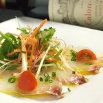 カーヴ 隠れや - 本日のカルパッチョ  その日のオススメ鮮魚をさっぱっりとしたカルパッチョに仕立てました。  800円~