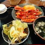 安楽亭 - 料理写真:中落ちカルビ150gランチ