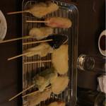 魚と酒と串 ちろり - 串カツ。薄い衣がさっぱり