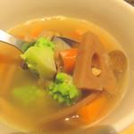 キャンベルアーリ- - 野菜たっぷりのコンソメスープ。