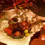 59224034 - 先付:呼子アラの肝煮・京菜と舞茸のお浸し・大分産揚げ栗・大分産むかごと銀杏の素揚げ