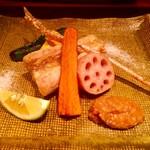 59224261 - 金崎甘鯛揚げ・味噌かモンゴル産の塩で・鱗せんべい・野菜の素揚げ